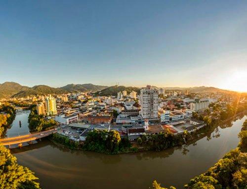 O desafio dos municípios catarinenses para adotar e desenvolver soluções de inovação e tecnologia