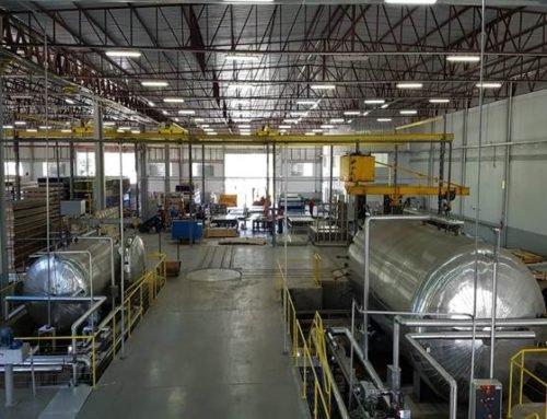 """""""Ciência das cores"""" é aposta de indústria de acrílicos em SC para expandir mercado dentro e fora do Brasil"""